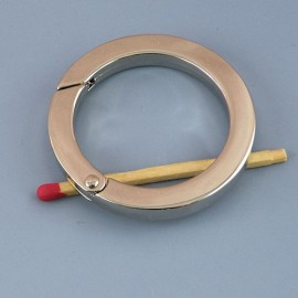 Metal flat ring open closed 4 cms diameter