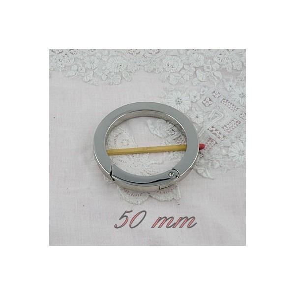 Metal flat ring open closed 5 cms diameter