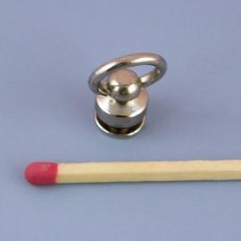 Plot anneau métallique luxe pour sac, accessoire maroquinerie.